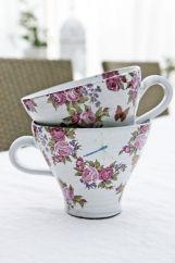 Teacup - cerise roses