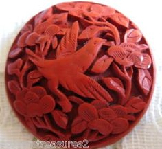 "RARE VINTAGE 1 3/8"" CINNABAR BIRD & FLOWER BUTTON"
