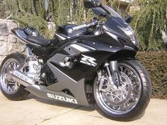 1000 images about gsxr on pinterest gsxr 1000 gsxr 750 and suzuki gsx r. Black Bedroom Furniture Sets. Home Design Ideas