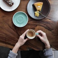 Coffee and Cake at @sixounces.coffee in Jakarta - image @williamsudhana  #acmecups #specialtycoffee #acmeforlife