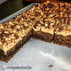 A legpuhább linzer recept Bognár Lilla konyhájából - Receptneked. Hungarian Desserts, Hungarian Recipes, Poppy Cake, Cake Recipes, Dessert Recipes, Torte Cake, Cake Cookies, Sweet Treats, Deserts