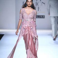 Soltee by Sulakshana Monga | Spring Summer 17 | Saree | Dhoti | Dress | Red Carpet | Dress | Mauve Pink | AIFW | Amazon India Fashion Week | Runway |