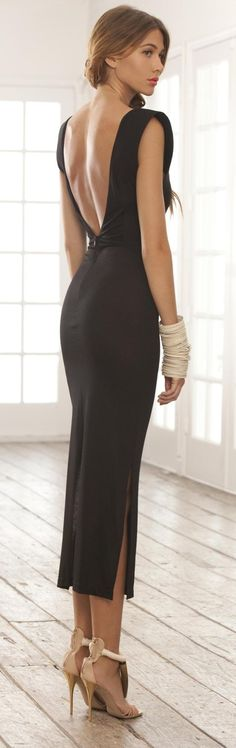 Weird dress, can't tell if I like it or not.  Backless with the slit just doesn't seem to work together.