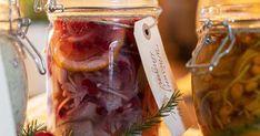 Inlagd sill med lingon och stjärnanis Tapas, Vegetables, Danish, Spirit, Christmas, Xmas, Danish Pastries, Weihnachten, Veggie Food