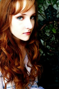 Scarlett Pomers Natural Hair Color