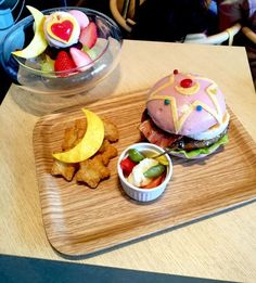 (245) Quick to sell out Sailor Moon burger | Cute food | Pinterest
