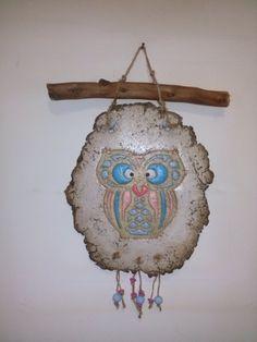 lechuza de la buena suerte realizada  en pasta piedra Pasta Piedra, Diy And Crafts, Arts And Crafts, Ideas Prácticas, Cardboard Paper, Projects For Kids, Decoupage, Mosaic, Owl