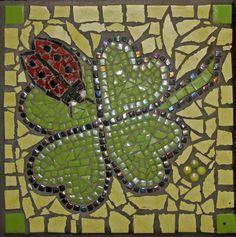 Steppingstone with mosaic. Stapsteen gemaakt met  mozaiek.#Luck