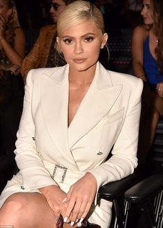 It Looks Like Kylie Jenner is About to Drop a Kylie Cosmetics Mascara Called Kylash Looks Kylie Jenner, Estilo Kylie Jenner, Kendall Jenner Style, Kendall Jenner Outfits, Kardashian Jenner, Kylie Jenner Jewelry, Kardashian Kollection, Trajes Kylie Jenner, Kylie Cosmetic