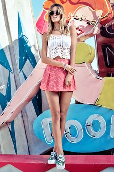 White crocheted crop top & bubblegum pink flared skirt.│ H&M Divided