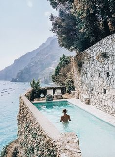 Who needs infinity pools when you have cliffside Positano, Italy – pool ideas The Places Youll Go, Places To Visit, Places To Travel, Travel Destinations, Infinity Pools, Destination Voyage, Wanderlust, Travel And Leisure, Amalfi Coast