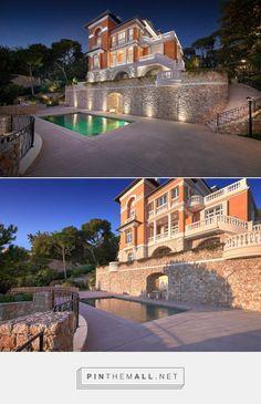 Sole agent - Outstanding Belle Epoque 'waterfront' mansion - Immobilier de luxe Roquebrune cap martin - Côte d'Azur Sotheby's International Realty - created via https://pinthemall.net