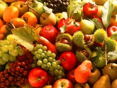 Guide To Healthy Eating: Simple Nutrition Tips. Everyone would like to eat a healthier diet. However, many think it is too difficult to eat healthy. Nutrition Plans, Nutrition Tips, Healthy Nutrition, Healthy Eating, Whole Grain Wheat, Fruits Images, Fall Fruits, Fruit Drinks, Delicious Fruit