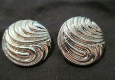 """#Vintage Silvertone circle Button Clip-On #Earrings 1"""" round #Jewelry #clips EUC #Vintage #Circles"""