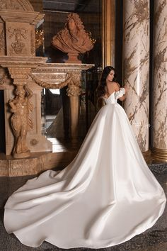 Hey brides-to-be, get ready to pin the dresses in the Edem 2020 Bridal Collection by WONÁ. Fancy Wedding Dresses, Country Wedding Dresses, Princess Wedding Dresses, Boho Wedding Dress, Bridal Dresses, Wedding Gowns, Luxury Wedding Dress, Backless Wedding, One Shoulder Wedding Dress