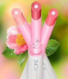 The ONE Lip Spa balzam za negu usana *Spoljašni sloj hidrira usne i daje im nagoveštaj boje *Unutrašnje jezgro štiti zahvaljujući UV filterima i emolijentima.