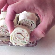 Cheesy Turkey Bacon Ranch Pinwheels are perfect for your lunch or a great party appetizer! Cheesy Turkey Bacon Ranch Pinwheels are perfect for your lunch or a great party appetizer! Party Finger Foods, Finger Food Appetizers, Appetizers For Party, Appetizer Recipes, Mexican Appetizers, Pinwheel Appetizers, Pinwheel Recipes, Pinwheel Wraps, Turkey Pinwheels