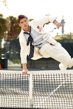 O estilo de vida e de vestir se reinventa no segmento masculino Preppy Boys, Preppy Style, Preppy College, Style Ivy League, Mode Tennis, Le Rosey, Tennis Fashion, Preppy Fashion, Preppy Outfits