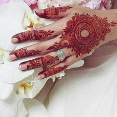henna and red image