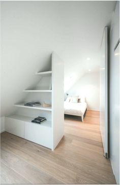 Cute Bedroom Ideas for Baby, Toddler, Little Girl & Twin Teenage Girl - - teenager zimmer mädchen Attic Bedroom Designs, Attic Bedrooms, Teen Bedroom, Dream Bedroom, Master Bedroom, Minimal Bedroom, Modern Bedroom, Bedroom Colors, Bedroom Decor