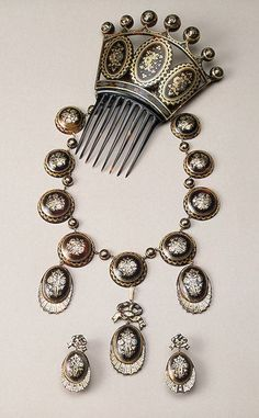 Russia. St Petersburg. 1830s - 1850s. Set: Necklace, Earrings and Comb  Tortoise-shell, gold and silver; inlaid. Necklace 44.5x11, earrings 5x2.5, comb 16.5x13 cm.