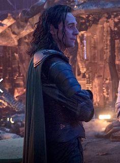 Thomas William Hiddleston, Tom Hiddleston Loki, Loki Laufeyson, Loki Thor, Marvel Avengers, Chris Hemsworth, Bucky Barnes, Loki God Of Mischief, Asgard