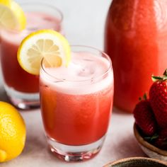 Healthy Homemade Strawberry Lemonade This Easy Homemade Strawberry Lemonade recipe is a refreshing summer drink made with only 4 healthy ingredients including fresh strawberries and honey. Homemade Strawberry Lemonade, Strawberry Drinks, Homemade Lemonade Recipes, Lemonade With Honey, Fresh Lemonade Recipe, Healthy Lemonade, Watermelon Lemonade, Strawberry Smoothie, Strawberry Recipes