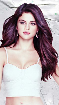 Selena - www.facebook.com/ILoveHotAndCuteCelebrities