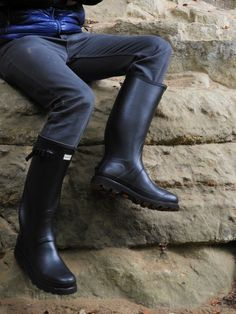Wellies Boots, Country Fashion, Wellington Boot, Rainy Days, Rubber Rain Boots, Gentleman, Men's Fashion, Corner, Outfit