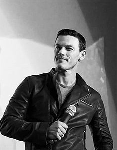 Welcome to luke-evans.tumblr.com! Beautiful smile <3 <3