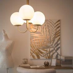 Lustre 4 branches en verre blanc et métal doré D.48cm | Maisons du Monde