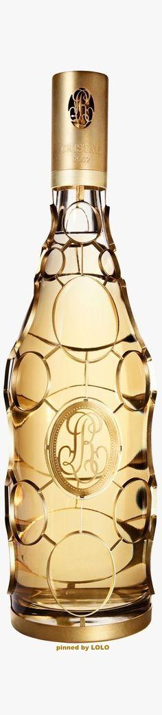 Exceptional Louis Roederer Cristal 2002 Champagne Jeroboam in a 24 Carat Gold Medallion Case. Cristal Champagne, Cristal Rose, Gold Champagne, Champagne Cocktail, Champagne Bottles, Sparkling Wine, Whisky, Roederer Champagne, Louis Roederer