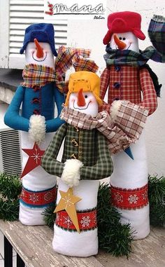 Make these out of towels! Christmas Arts And Crafts, Christmas Sewing, Christmas Snowman, Christmas Projects, All Things Christmas, Holiday Crafts, Christmas Holidays, Christmas Ornaments, Primitive Country Christmas