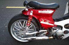 """Honda Super Cub độ bánh ôtô """"siêu to khổng lồ"""" ở Tây Ninh - Hình 8 Honda Cub, Cubs, Motorcycle, Restoration, Custom Motorcycles, Motorbikes, Bear Cubs, Motorcycles, Tiger Cubs"""