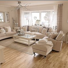 Credits: Sharon Wilson - Wohnzimmer 2 - Welcome Haar Design Cream Living Rooms, Cozy Living Rooms, New Living Room, Home And Living, Sitting Room Decor, Paint Colors For Living Room, Interior Design Living Room, Living Room Designs, Country Style Living Room