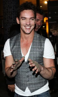 Jonathan Rhys Meyers mortal instruments premiere in Norway. So adorable