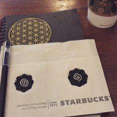 「Arrived in Borneo last night. スタバがあるとは思わなんだ。 ボルネオと言えばボルネオフラワー。 #Malaysia #Kotakinabalu  #Borneo #Kalimantan  #Borneoflower #Starbucks #勝手に描き置きシリーズ」