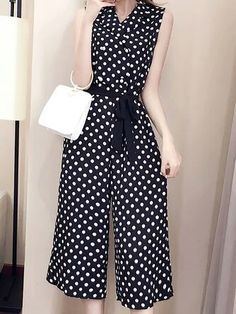 Holiday Fashion Casual Chic 58 New Ideas Hijab Fashion, Fashion Dresses, Casual Dresses, Casual Outfits, Western Dresses, Christmas Fashion, Casual Chic Style, Skirt Outfits, Jumpsuits For Women