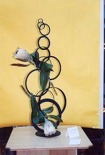 1000 images about arreglos florales creativos on pinterest fresh flower arrangement ikebana - Arreglos florales creativos ...