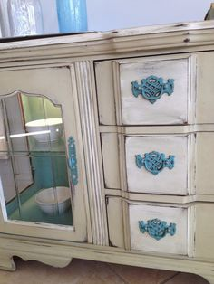 Hutch painted by Veronica of Bliss and Blossom Designs in Versailles, Chalk Paint® Decorative paint by Annie Sloan.