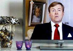 25-Dec-2013 16:09 - 'BEATRIX ANALYSEERDE, WILLEM-ALEXANDER WIL INSPIREREN'. Het is aboninambel slecht voorgelezen, met een nogal uitdrukkingsloos hoofd, maar de inhoud van de kersttoespraak van koning Willem-Alexander is...