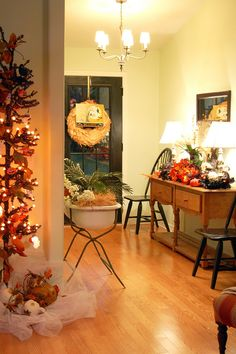 723: { some fall decor and a happy harvest }
