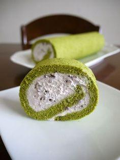 抹茶のロールケーキ♪あずきクリーム♪ Roll cake ♪ ♪ adzuki bean cream of green tea