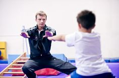 Beginner Boys Level 1 (Ages 5-18 years)- This is a 60 minute class that focuses on teaching 5-18 year old boys the basics of vault, pommel horse, rings, parallel bars, floor, and trampoline while building core strength at the same time. This class is based off USAG Level 1 skills in order to advance in the sport of gymnastics. This is a great class for those wanting to advance or those just looking to have fun! Boys Gymnastics, Gymnastics Skills, Principles Of Learning, Gymnastics Conditioning, Arvada Colorado, Male Gymnast, Class Games, Coach Me, How To Gain Confidence