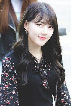 Kpop Girl Groups, Korean Girl Groups, Kpop Girls, South Korean Girls, Sinb Gfriend, Gfriend Sowon, Singer Fashion, Jung Eun Bi, Eye Of The Storm