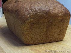 Honey Graham Bread - recipe from book Healthy Bread in Five Minutes a Day Flour Recipes, Bread Recipes, Baking Recipes, Graham Flour, How To Make Bread, Bread Making, Types Of Bread, Honey And Cinnamon, Artisan Bread