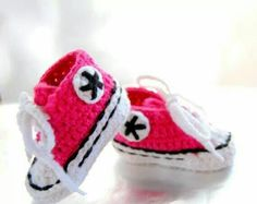 Tenis Converse para bebes tejidos rosa blanco y negro sneakers for babies pink and white. This is awesome