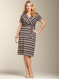 @Plus Size. hello stripes! This dress perfectly balances the @inverted triangle body shape with its angled bodice stripes that draw the eye in, narrowing the bust and the horizontal stripes on the skirt which widen the hips slightly. This gives the allusion of a more balanced body shape, a more hour glass form. @full bust @voluptous @curvy @full figured @big bust.