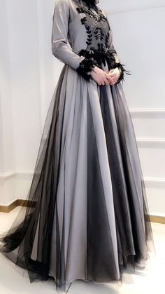 Beautiful Evening Gowns, Beautiful Prom Dresses, Nice Dresses, Dress Brokat, Kebaya Dress, Estilo Abaya, Graduation Dresses Long, Hijab Dress Party, Gala Gowns