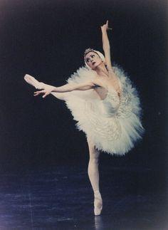 Image hotlink - 'http://balletbookstore.com/ballerina/pic/kerche01.jpg'